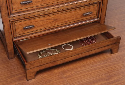 River Valley Drawer Chest W1572-872