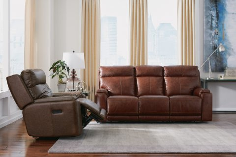 1675 Leather Sofa Group